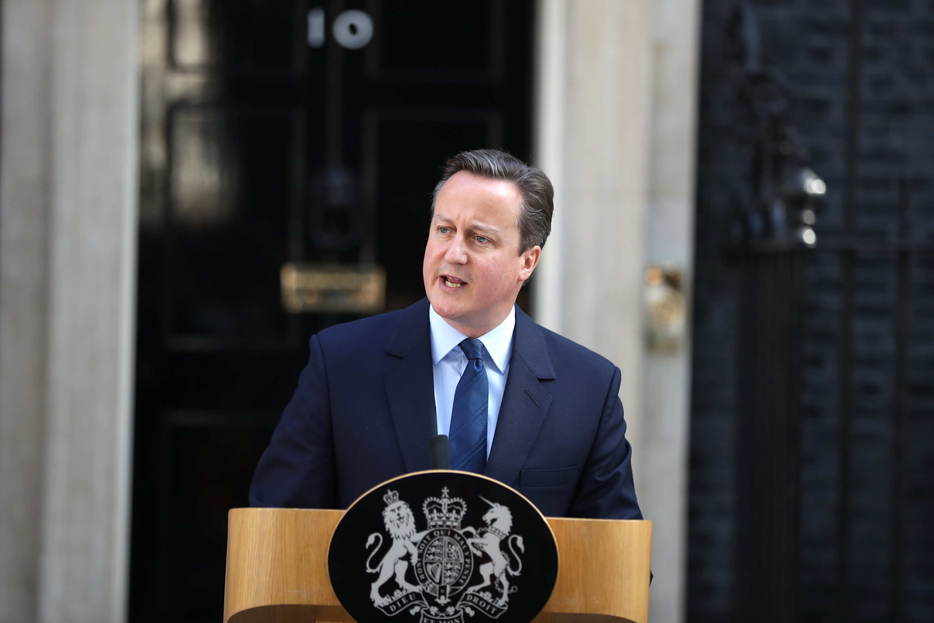 David Cameron announces his resignation.