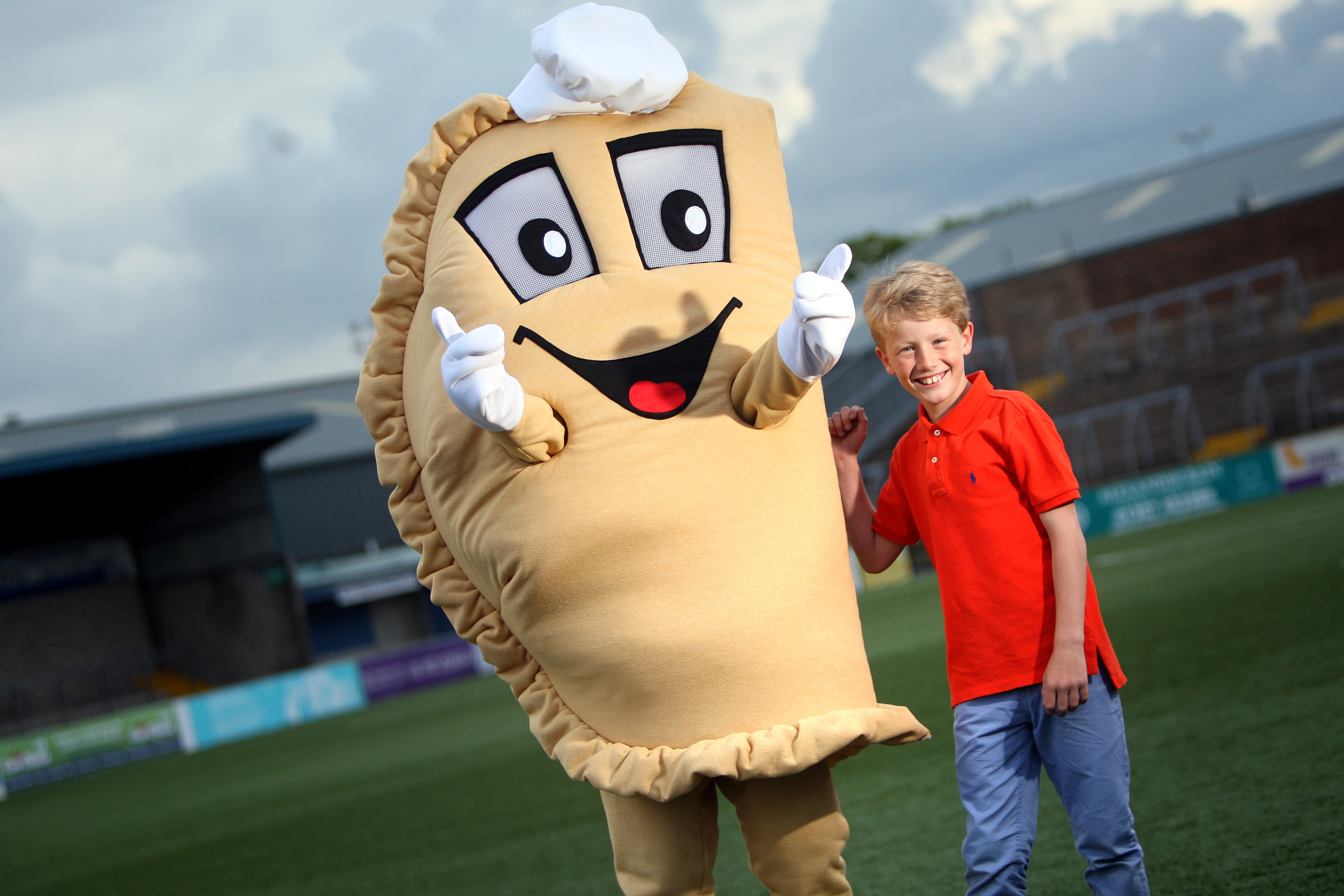 Kirriemuir youngster Ross Milne and Baxter the Bridie