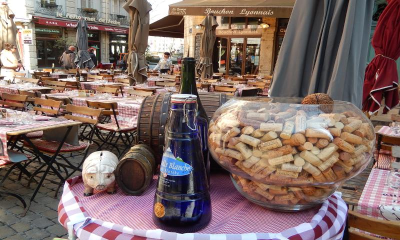 Street cafe in Lyon