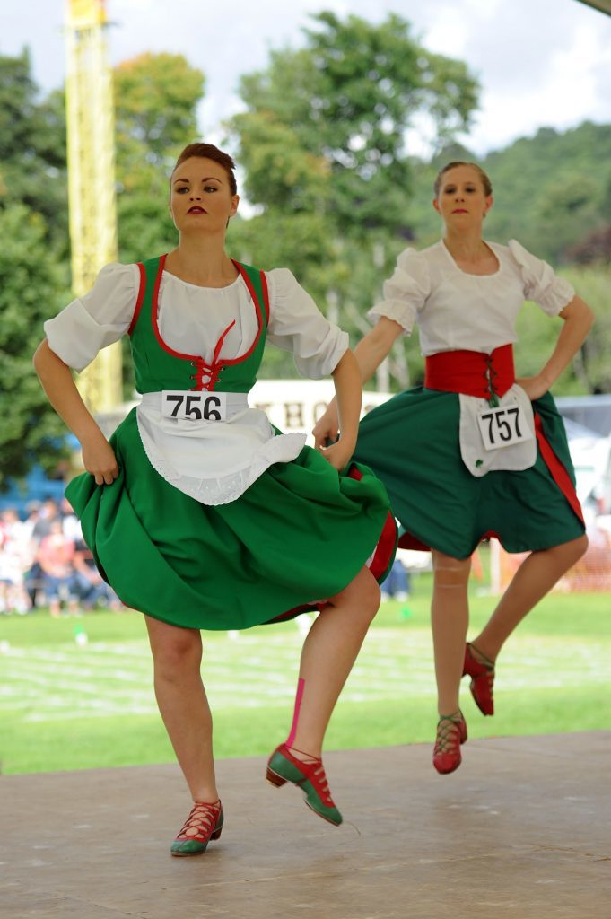 Competitors in the Irish Jig competition