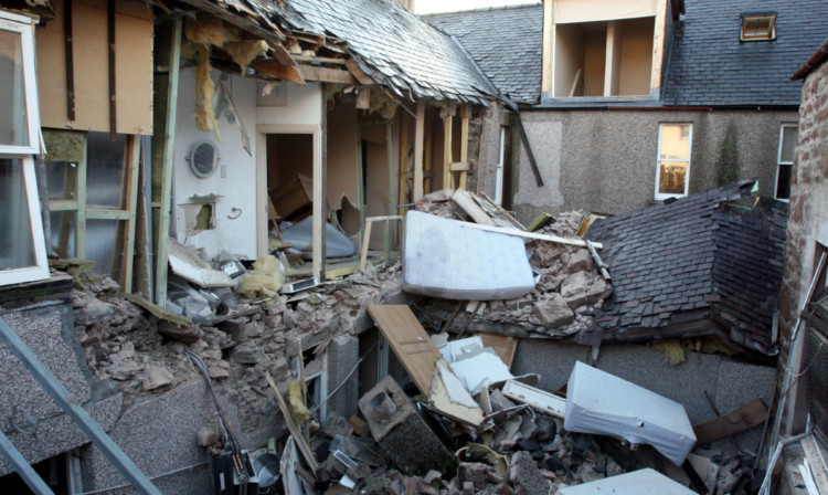 The previous hotel was destroyed by the explosion.