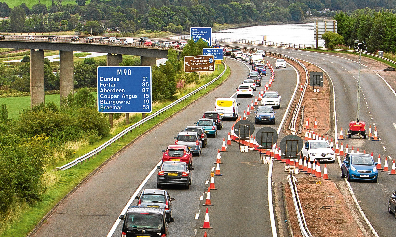 Roadworks at Friarton Bridge by Perth causing major traffic queues.