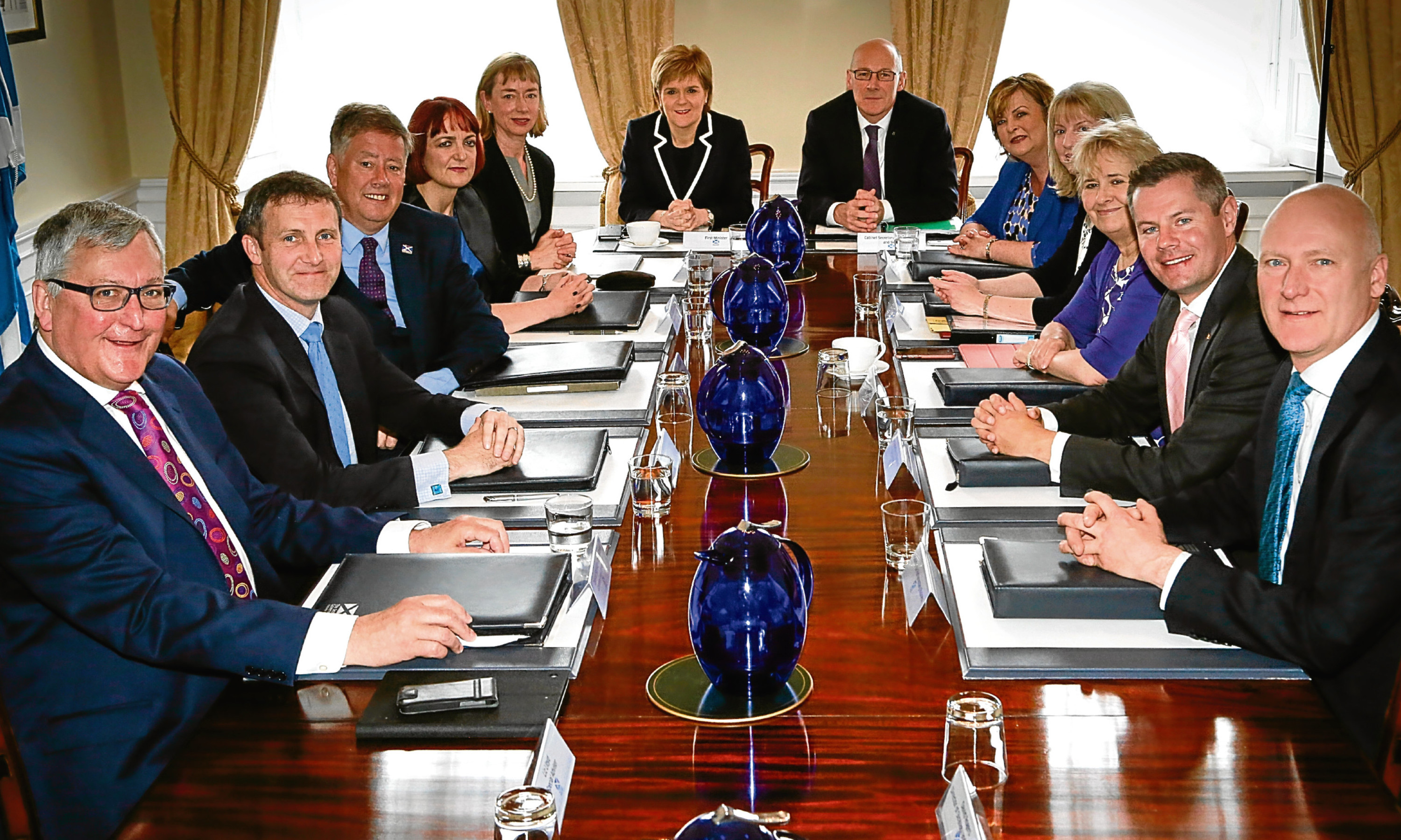 The Scottish Cabinet meets up. Alex is worried that power in the SNP lies only with a chosen few.