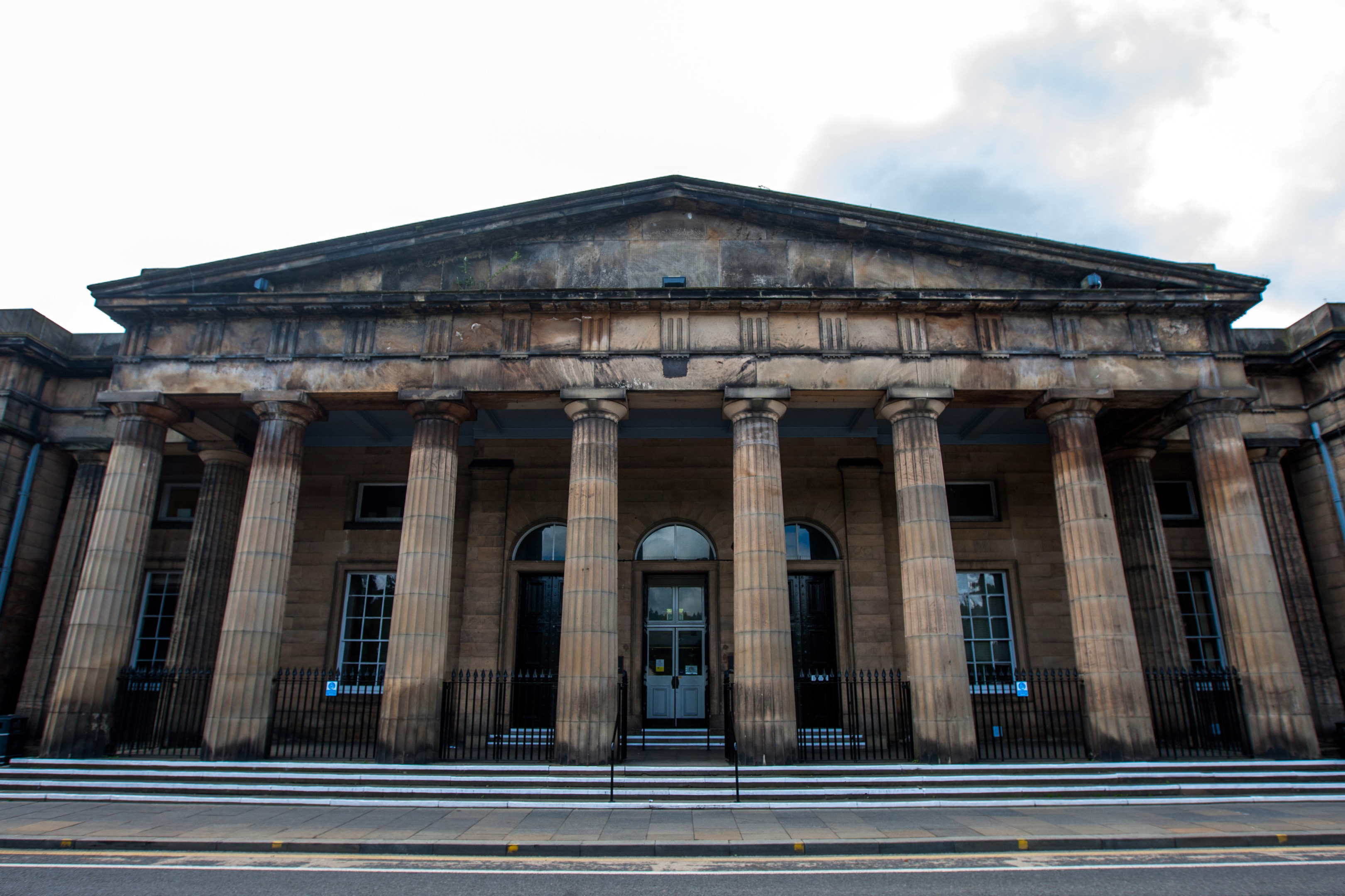 Feuding partners in crime Thomas Cummings and John Strickland were jailed for 12 months and 55 weeks respectively at Perth Sheriff Court after admitting to a bungled housebreaking.