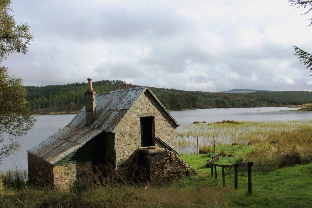 4-boathouse-on-auchintaple-loch-james-carron-take-a-hike