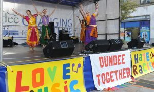 KCes_Dundee_Together_Parade_Dundee_13_011016
