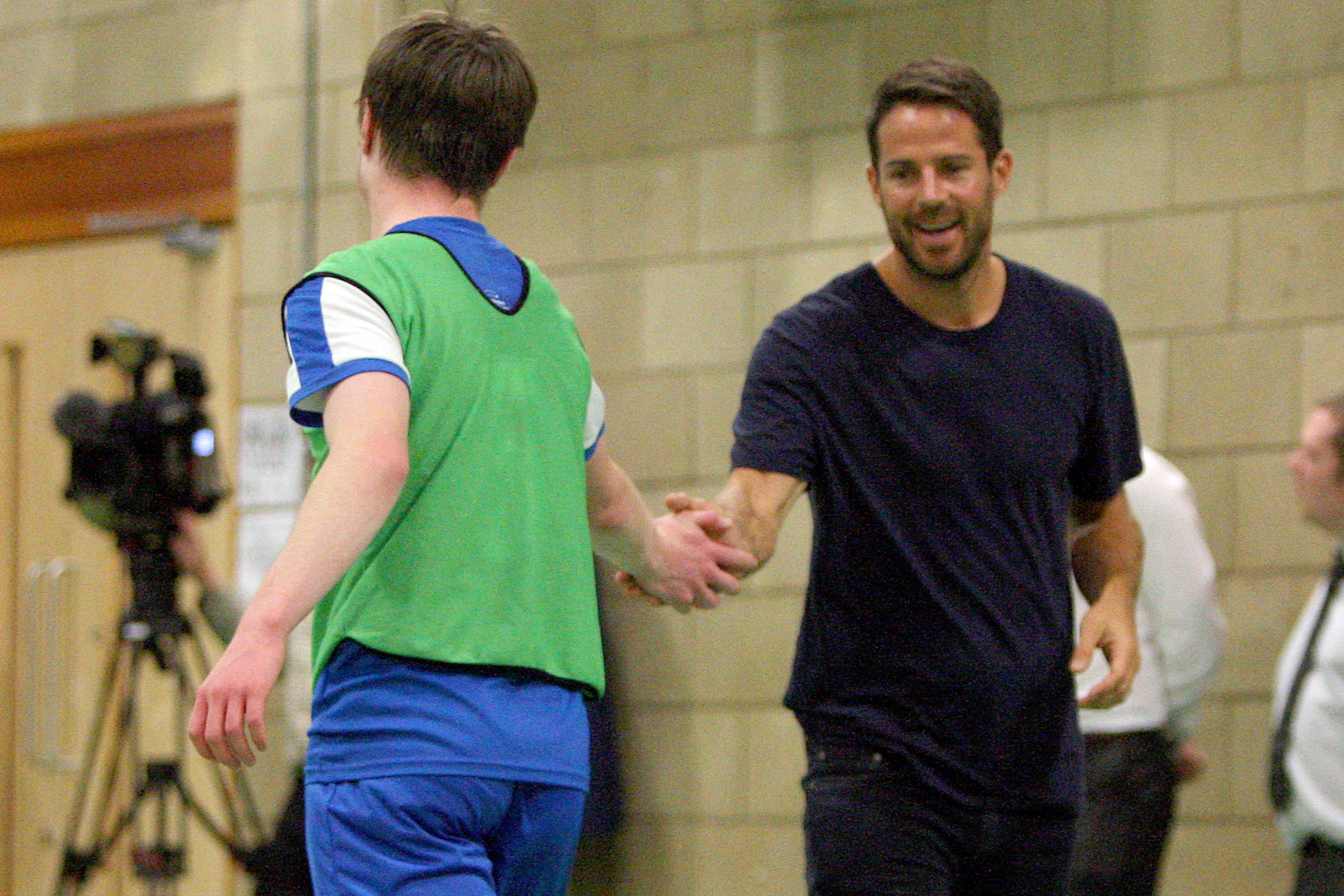 Jamie Redknapp drops in to St John's in Dundee for an impromptu training session