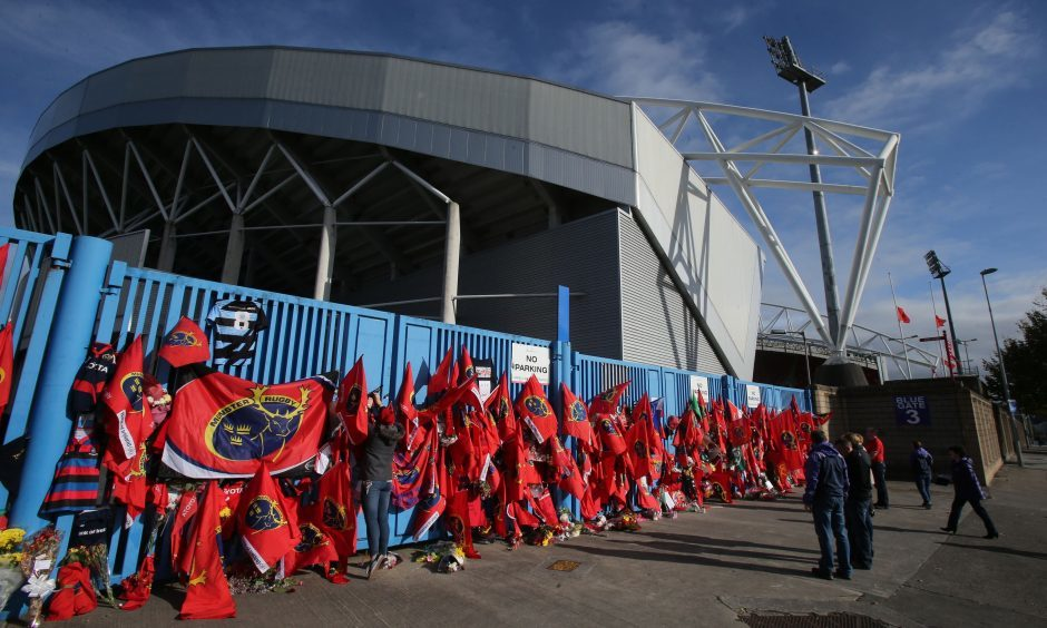 The tributes to Munster coach Anthony Foley at Thomond Park, where Glasgow play Munster in the European Champions' Cup today.