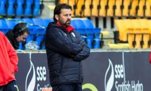 23/10/16 LADBROKES PREMIERSHIP    ST JOHNSTONE V DUNDEE    MCDIARMID PARK - PERTH    Dundee manager Paul Hartley and Gerry McCabe