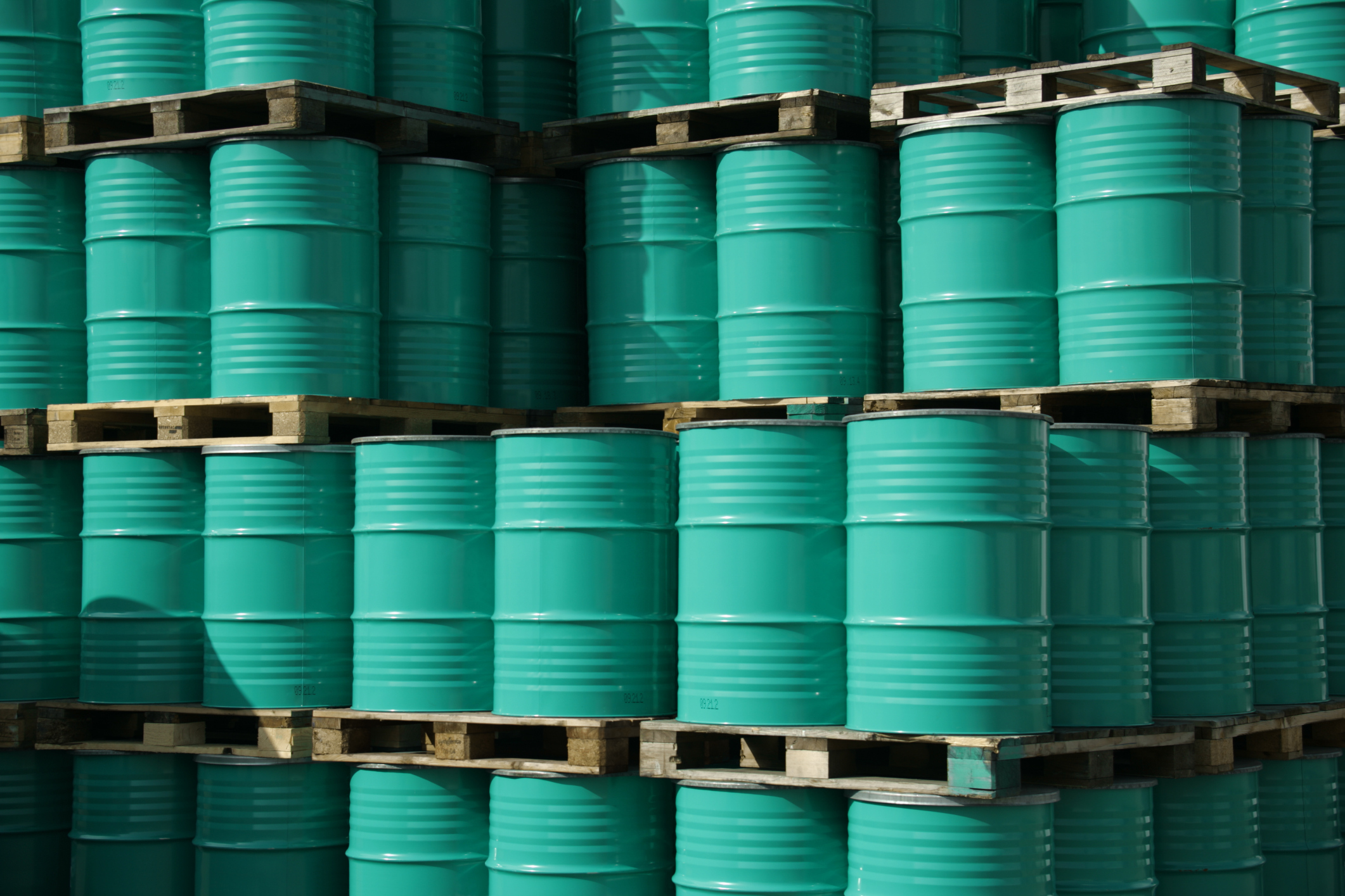 The price of a barrel of oil is predicted to remain below $100 for the next few years.