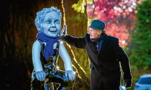 'Young Tom' Lennox, 97, meets Wullie.