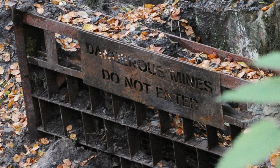 An entrance to Cults mine.