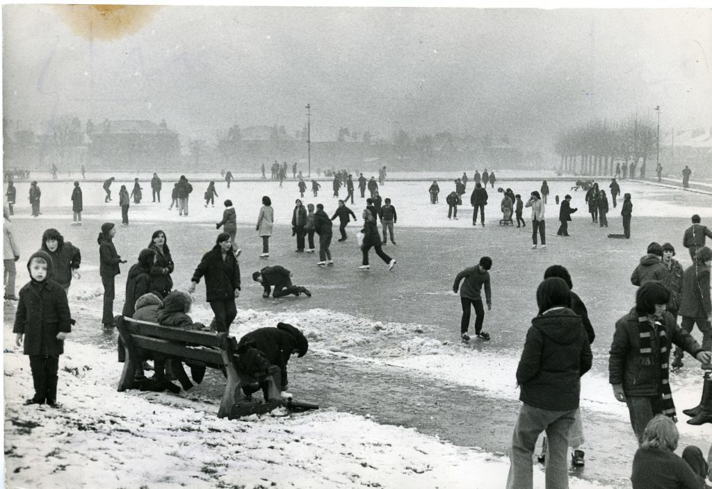 A deep freeze takes hold of Stobsmuir ponds in 1971.