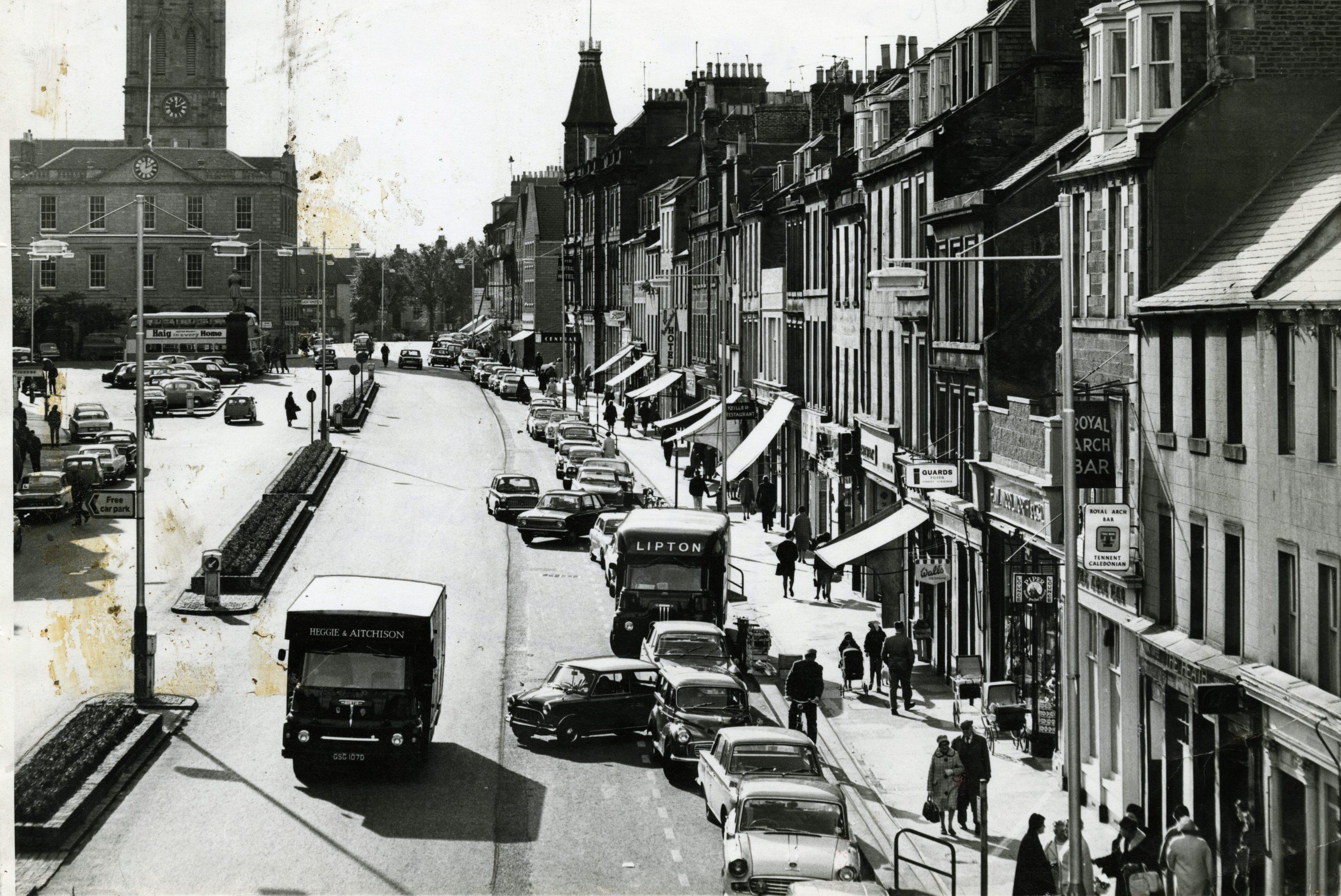 Montrose High Street. 16 October 1967.