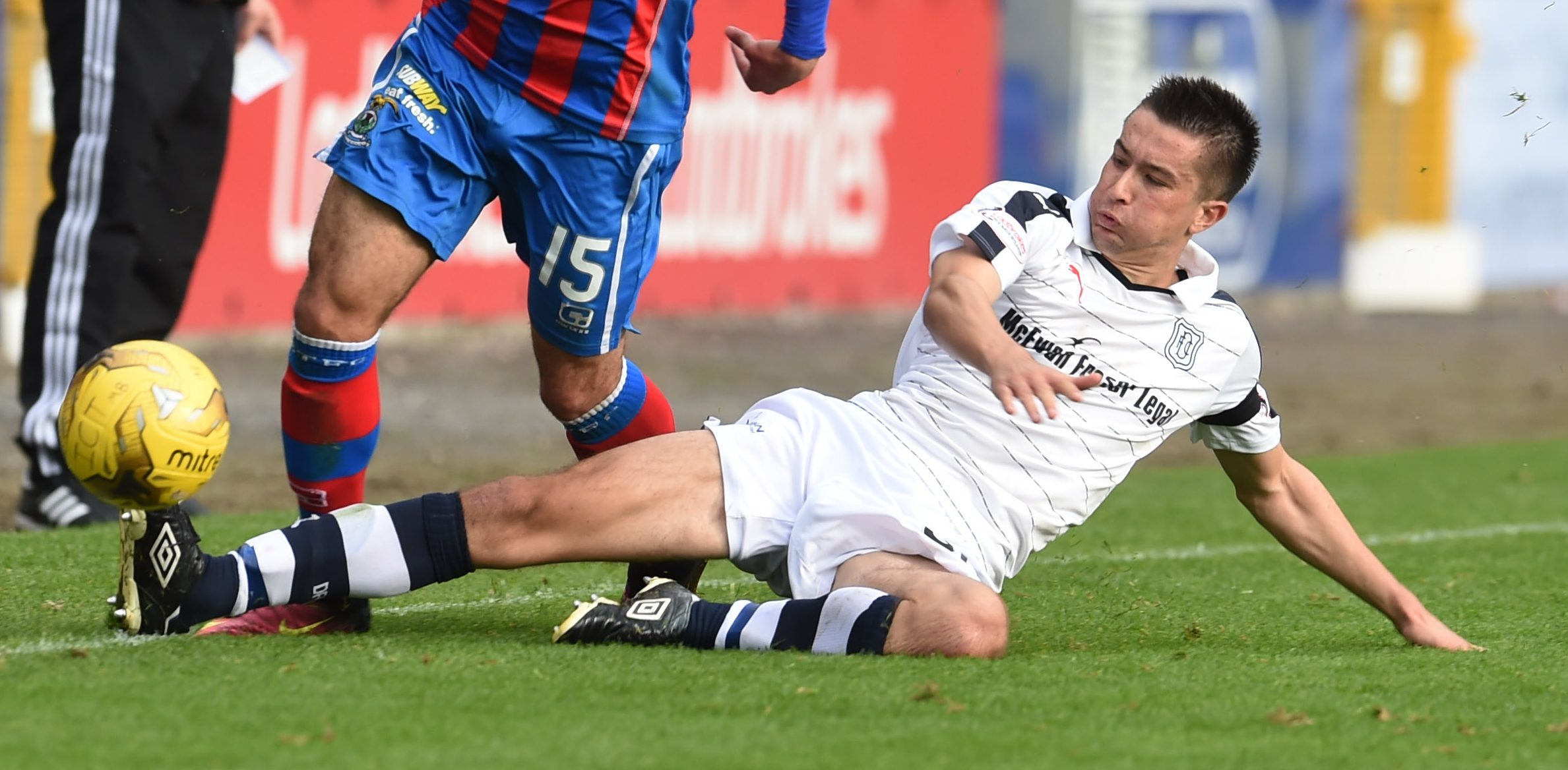 Cammy Kerr in action for Dundee.