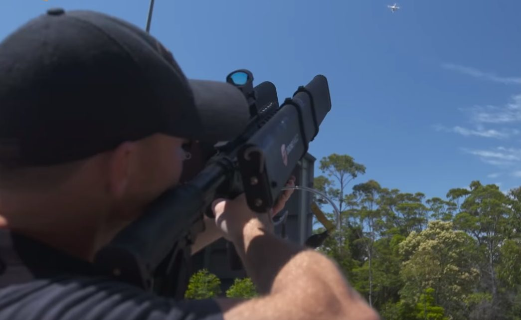 The 'gun' serves as a jamming device to safely shut down drones flying illegally.