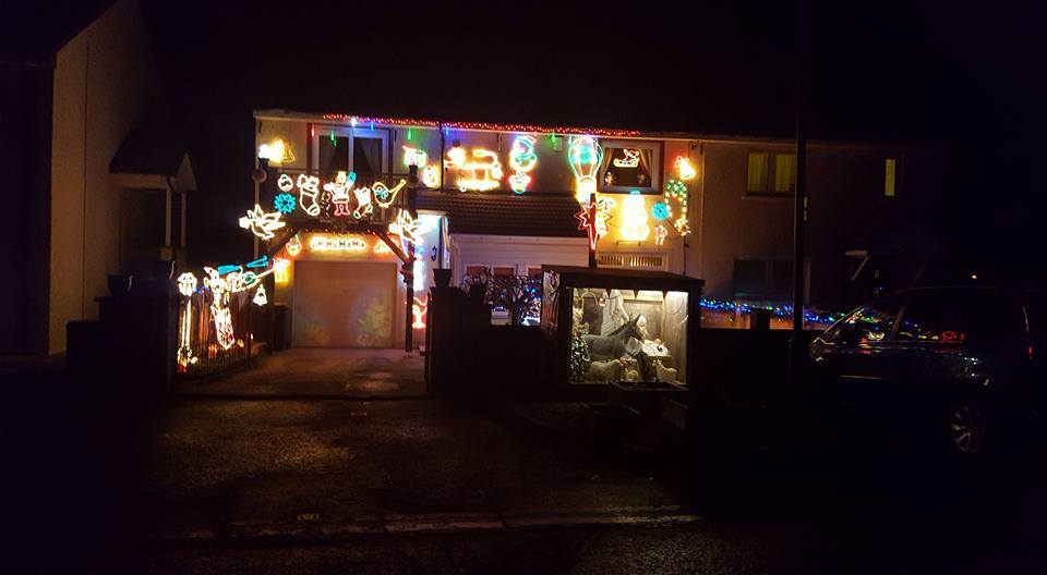 xmaslights_shirley_stark_dads_house_blairgowrie