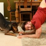 Video: Dundee man turns Sri Lankan street dog into yoga star