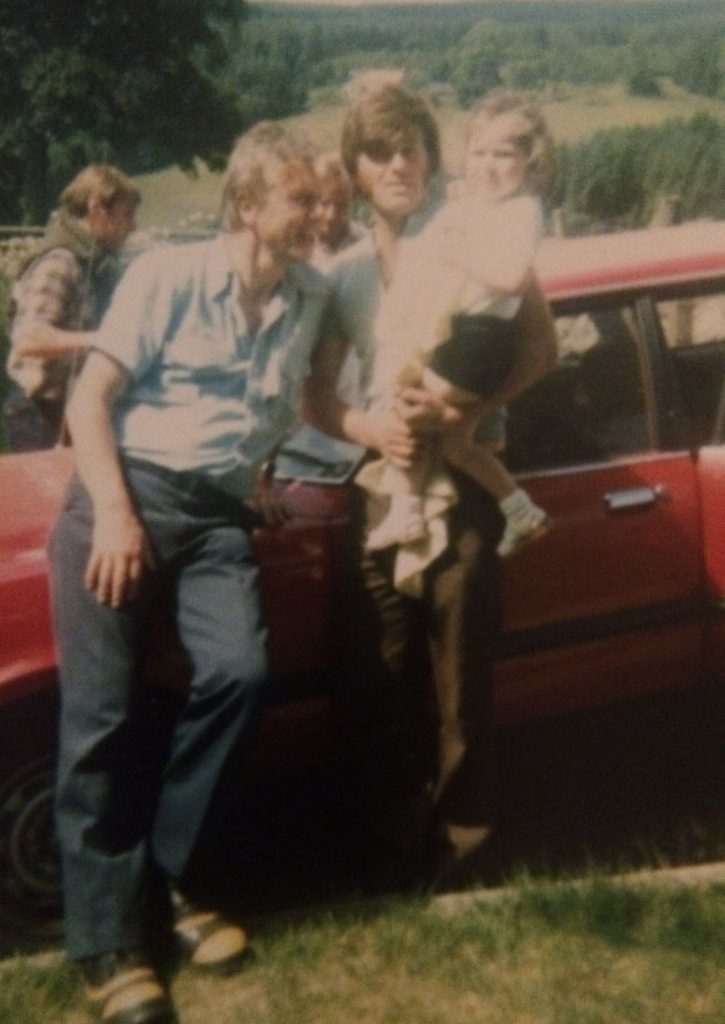 Sir David with the Paterson family at their farm in 1981.