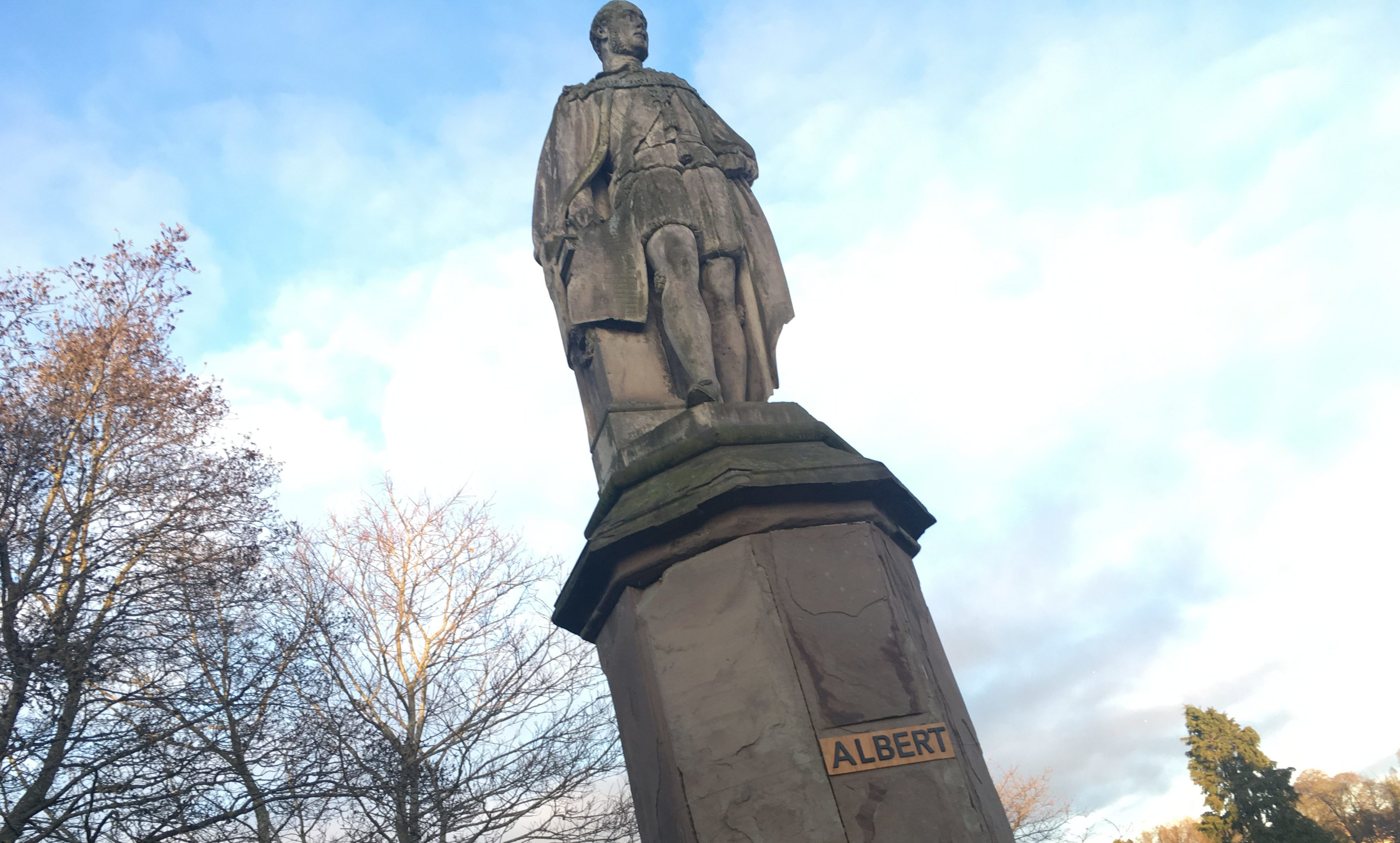 A car registration-style plate has appeared on Perth's Prince Albert statue.