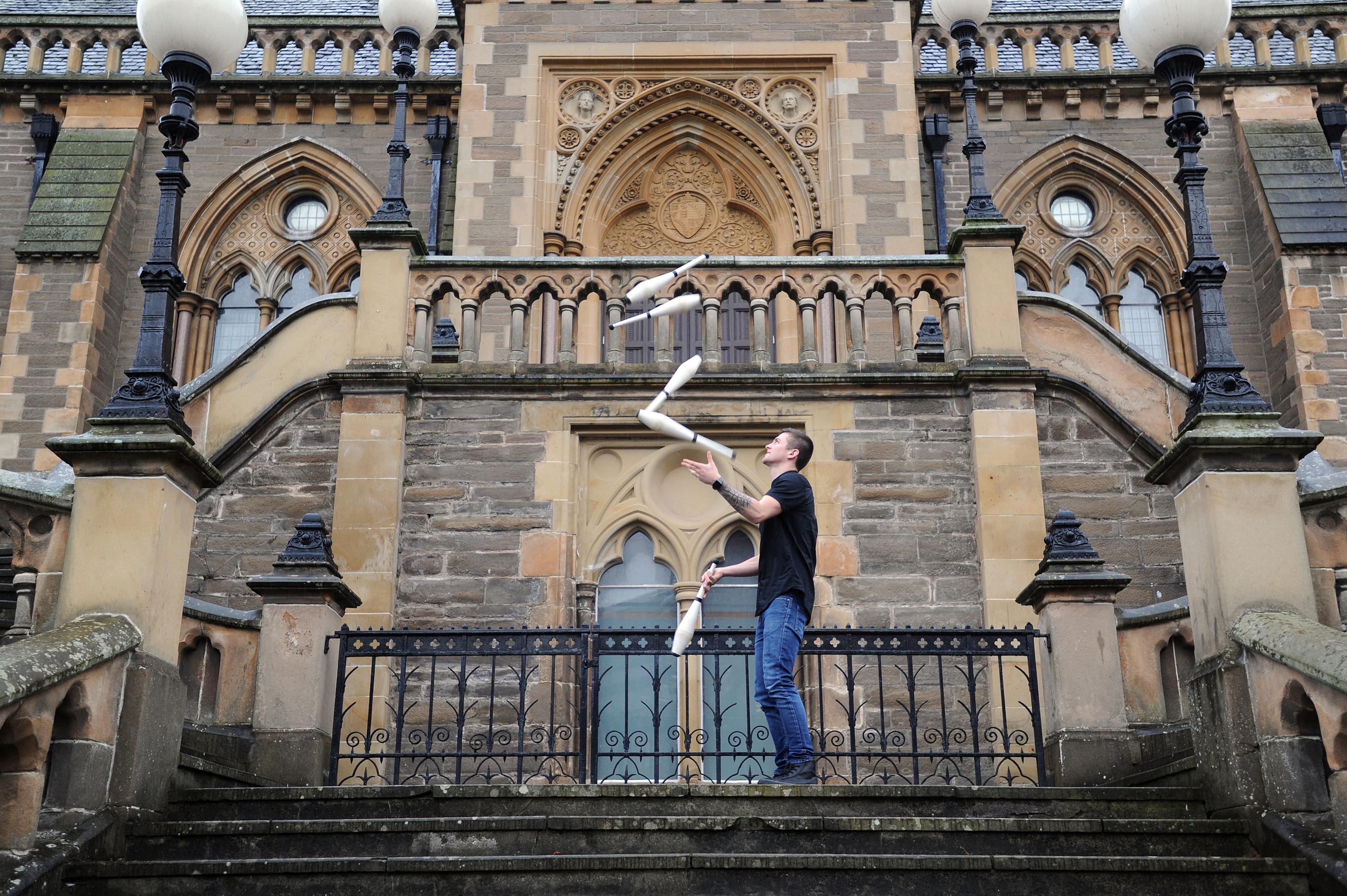 Juggler Luke Davies.