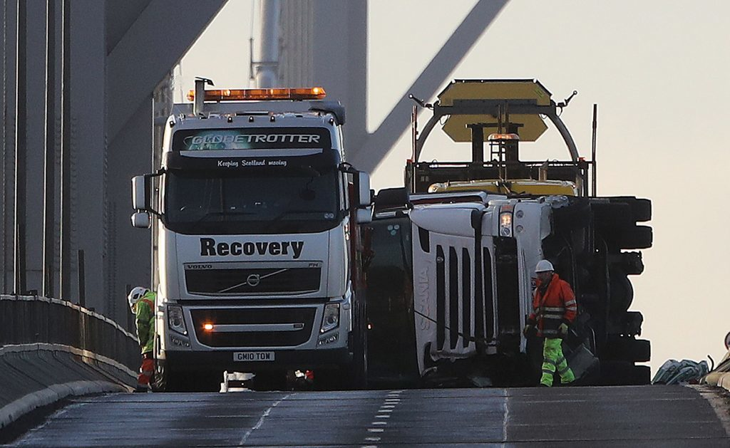 The operation to remove the stricken lorry.