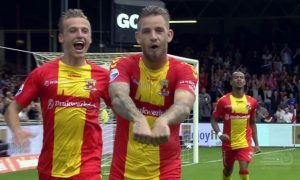 Kevin Brands (centre) playing for Go Ahead Eagles.