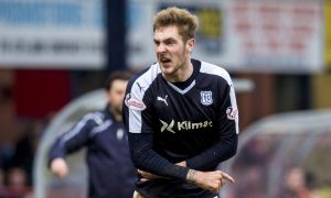 12/03/16 LADBROKES PREMIERSHIP DUNDEE v HEARTS DENS PARK - DUNDEE Frustration for Dundee's Kevin Holt