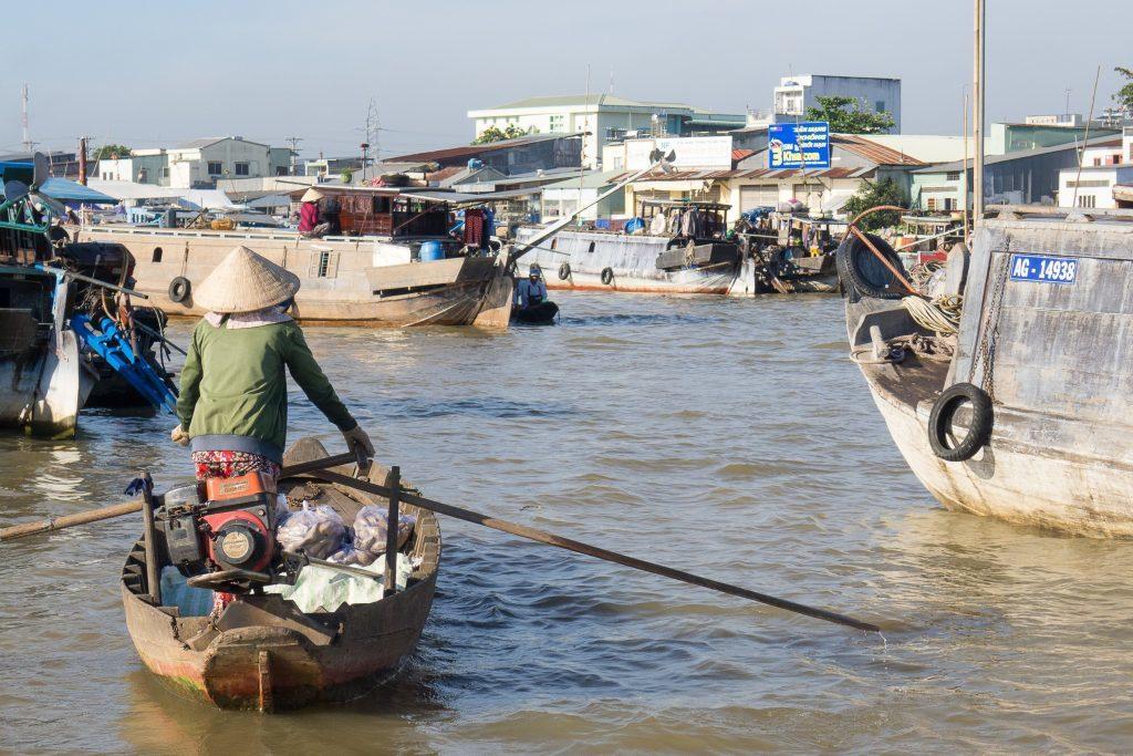 TRAVEL Vietnam 092088