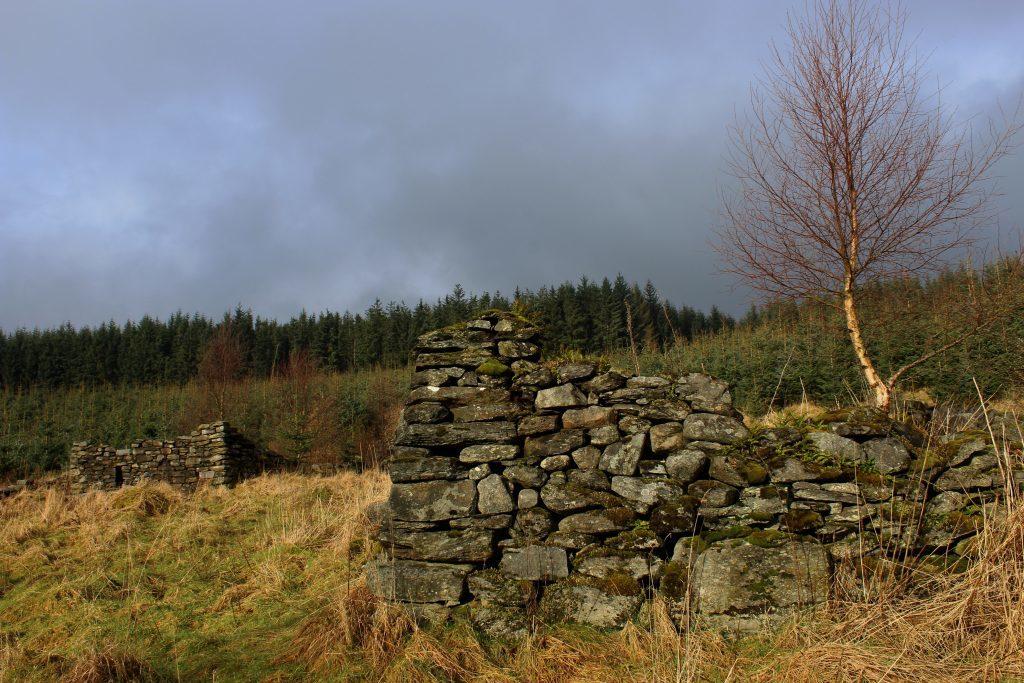 4 - The ruins of Rawer - James Carron, Take a Hike