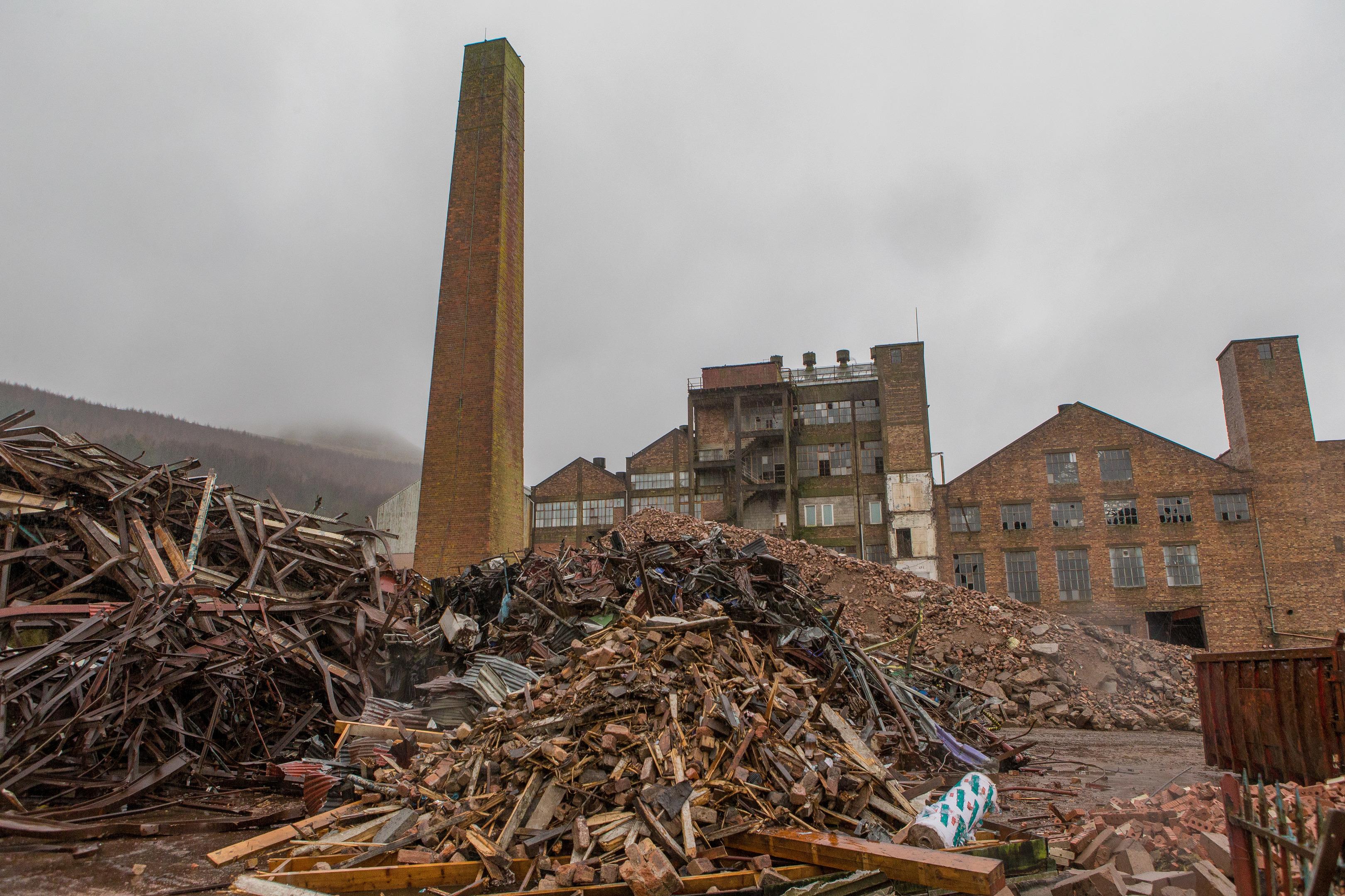 The chimney at St John's Works, Falkland