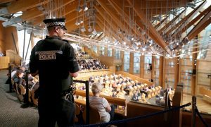 Police officers armed with tasers to guard Holyrood