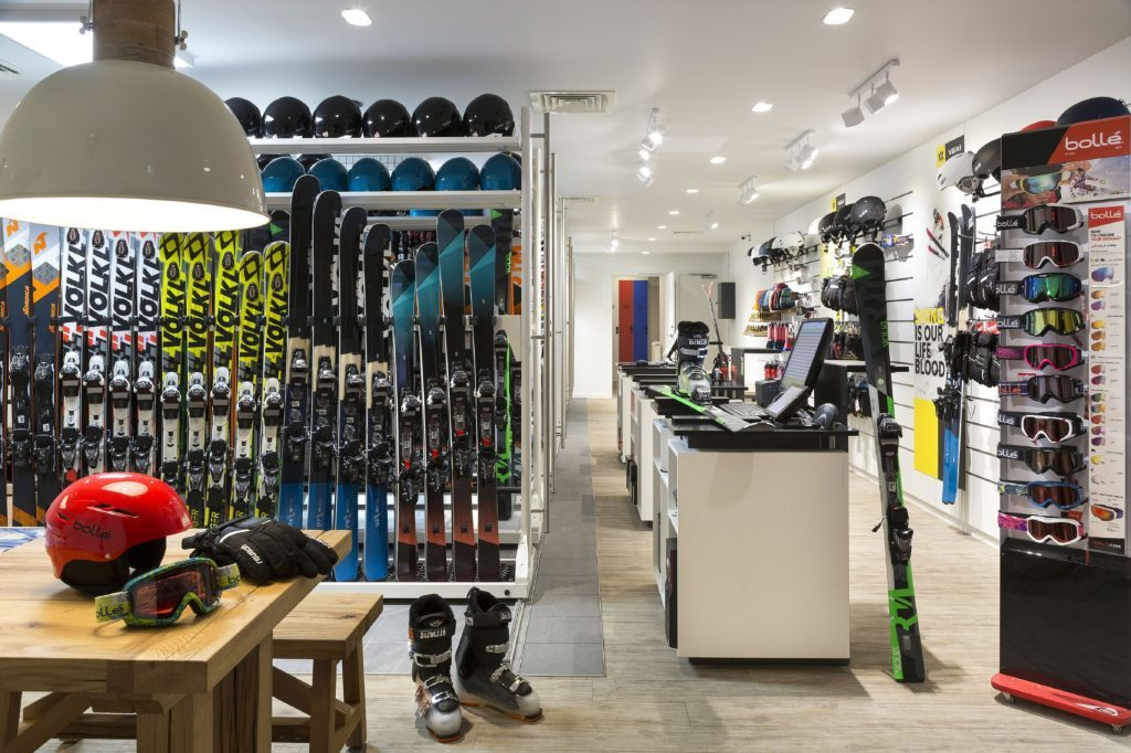 Photo of the ski shop in the Rocky Pop Hotel.