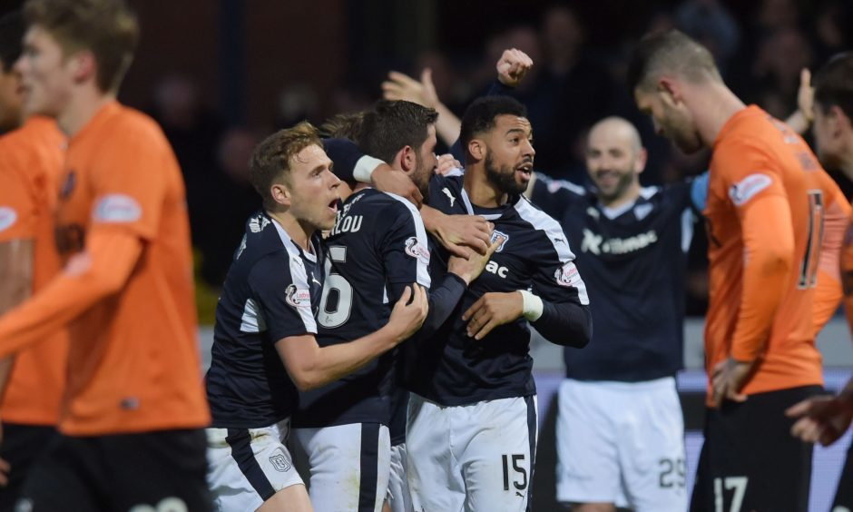 Dundee sack Hartley after dismal run
