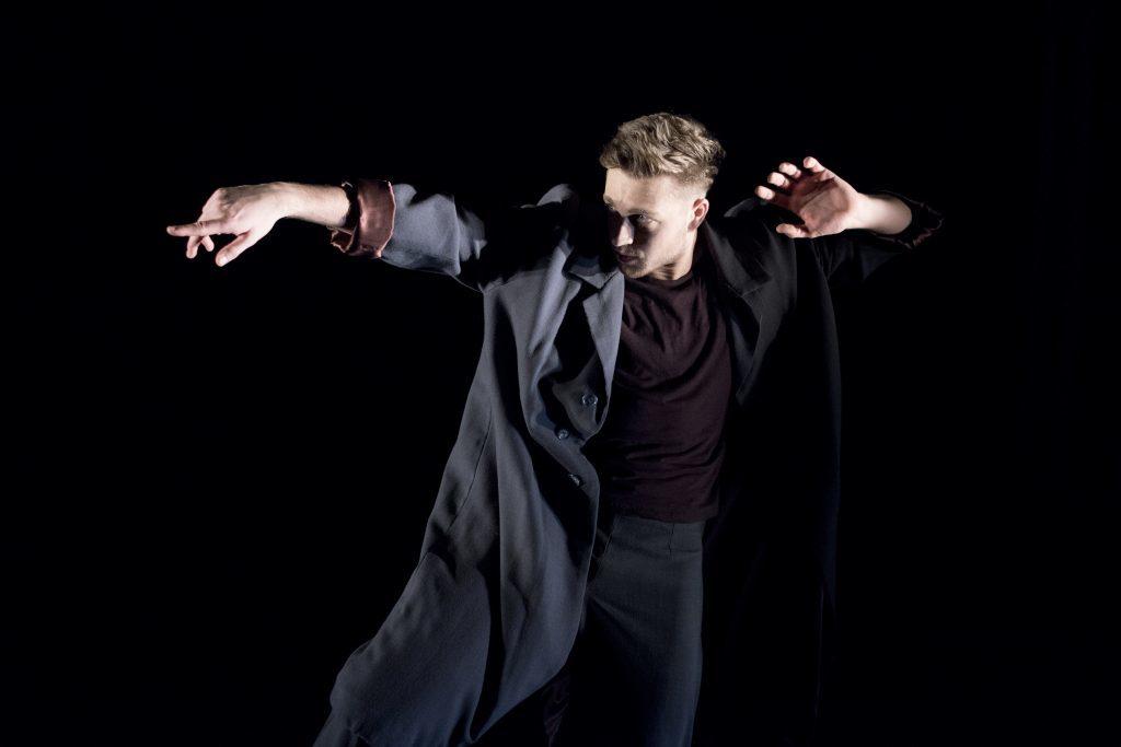 EDge dancer Sam Ford performing Consumed by Karen and Allen Kaeja_Imageby_CamillaGreenwellDSC_0555