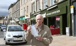 """We were going to Specsavers"": Pensioner claims drivers can't see Kirkcaldy parking restrictions"