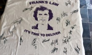 The Frank's Law T-shirt signed by the Anderlecht squad.