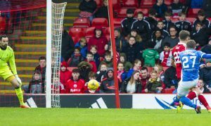29/04/17 LADBROKES PREMIERSHIP   ABERDEEN v ST JOHNSTONE  PITTODRIE - ABERDEEN   St Johnstone's Craig Thomson (27) scores his side's second goal
