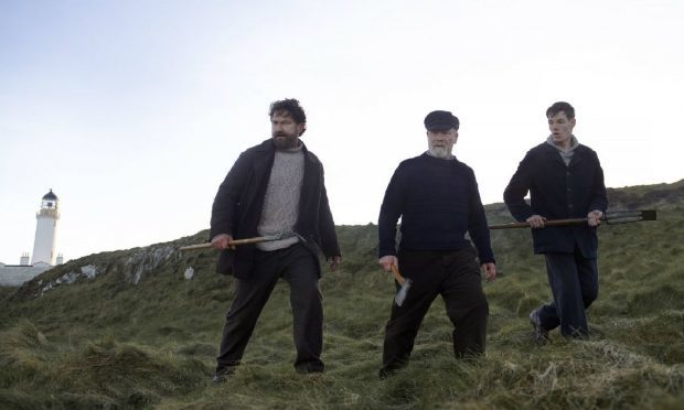 Gerard Butler, Peter Mullan and Connor Windells in Keepers.