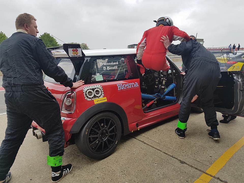Driver change at the Snetterton 300 Britcar endurance race