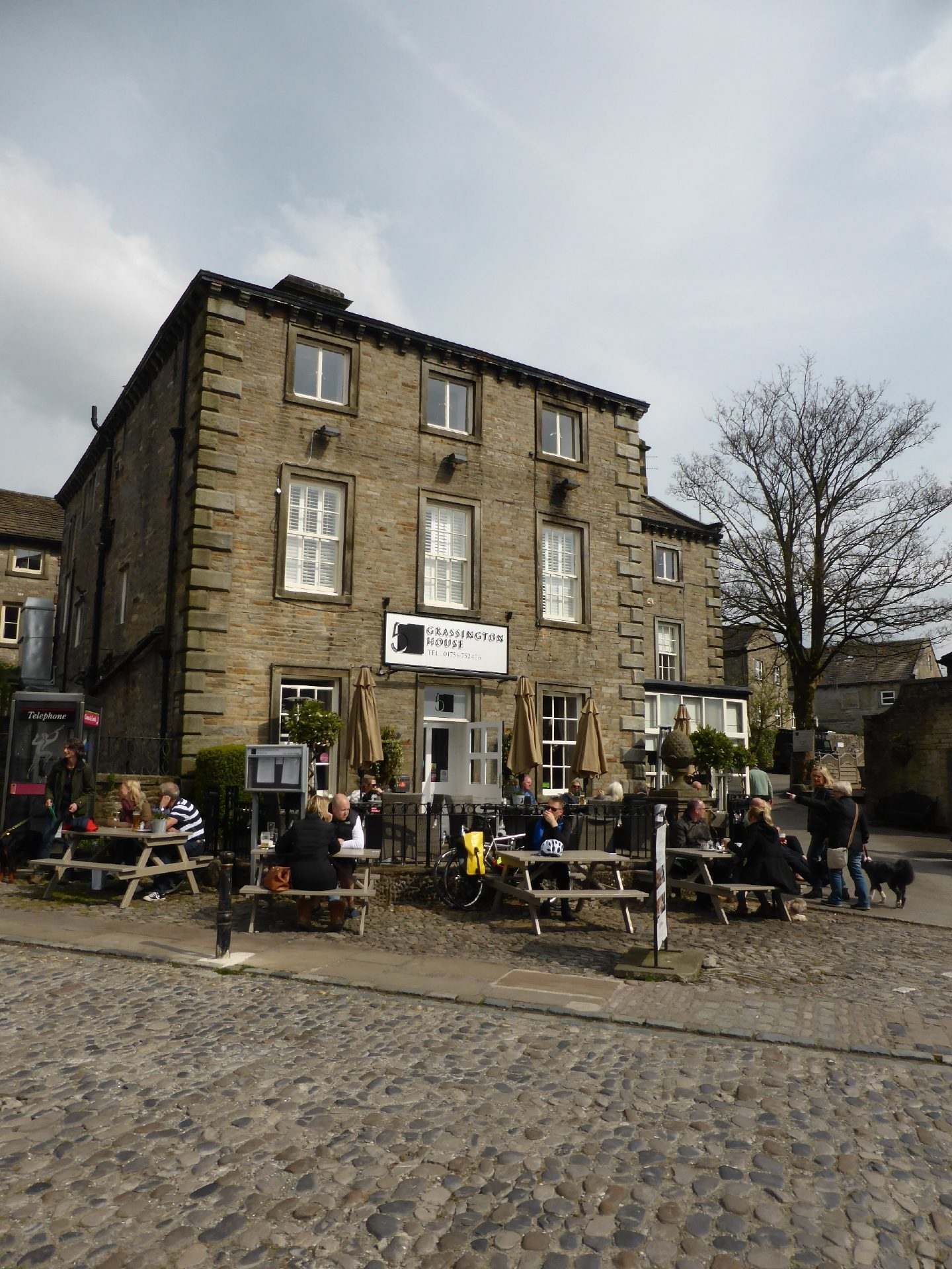 Dog Friendly Pubs Inns Yorkshire Dales