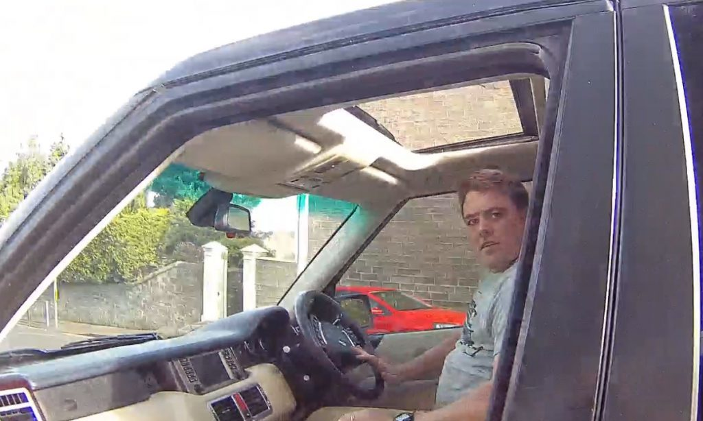 range_rover_driver2