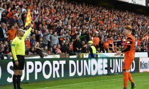 25/05/17 LADBROKES PREMIERSHIP PLAY-OFF FINAL 1ST LEG  DUNDEE UNITED v HAMILTON  TANNADICE - DUNDEE  Dundee United's Simon Murray pleads with the linesman.