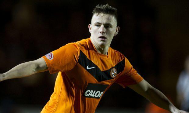 Dundee sign Celtic midfielder Scott Allan on season-long loan