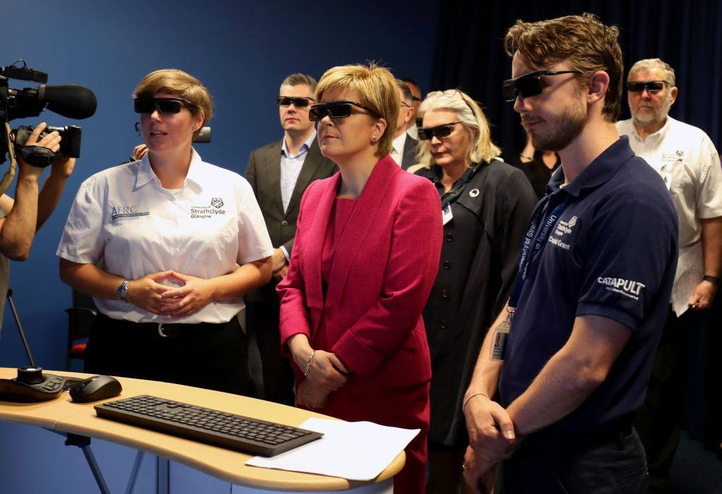 First Minister Nicola Sturgeon looks at a 3D simulator during a visit to the Advanced Forming Research Centre.