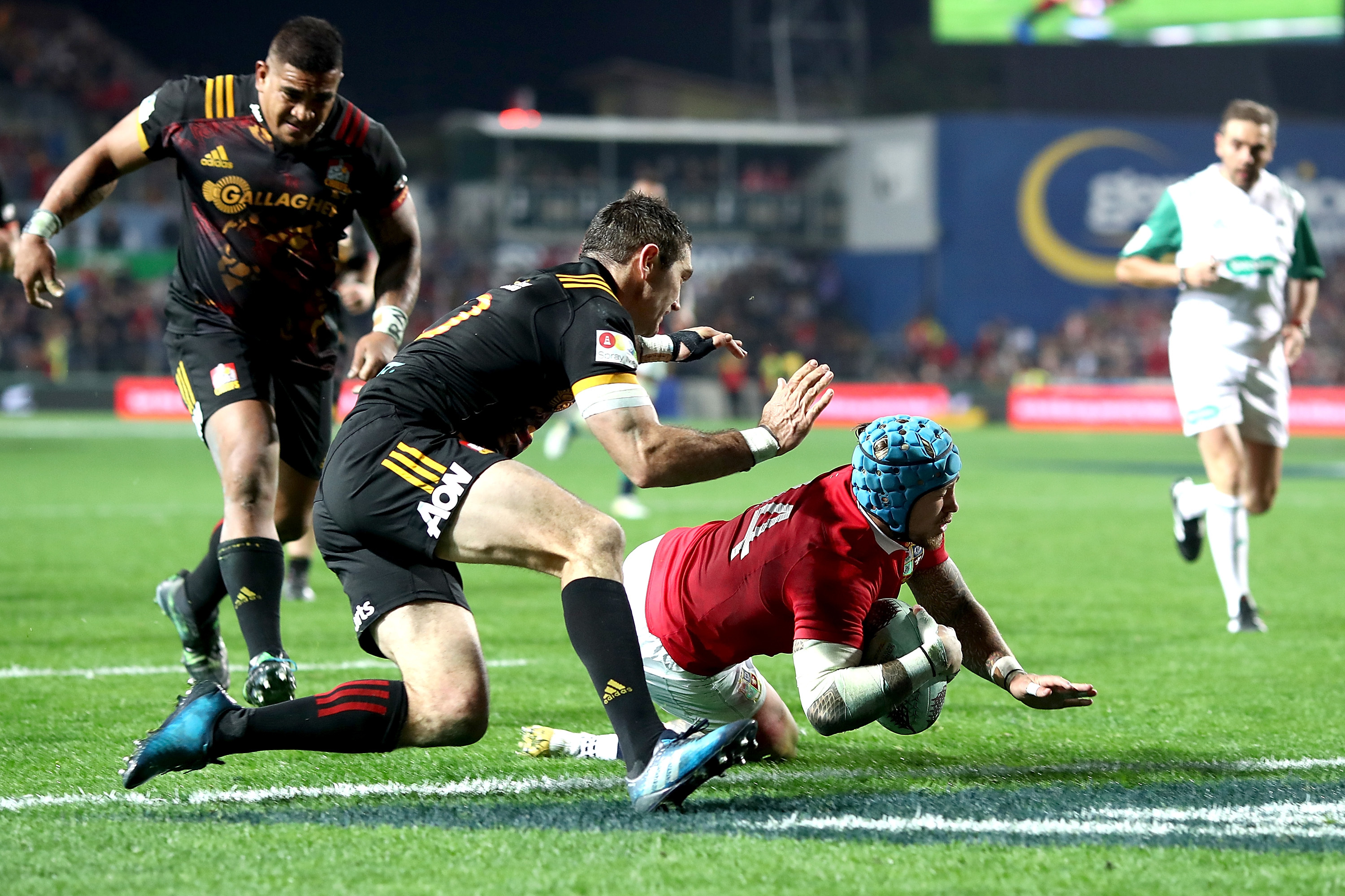 Jack Nowell scores his second try for the Lions in defeating the Chiefs in Hamilton.
