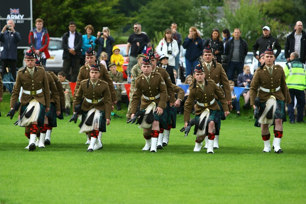 3 Scots, Royal Regiment Scotland 'picking up arms'.