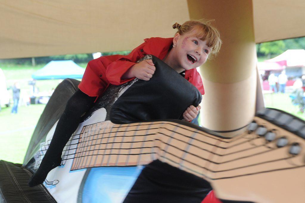 Enjoying the 'Guitar Rodeo' was Ava Gardiner (5) from Menzieshill