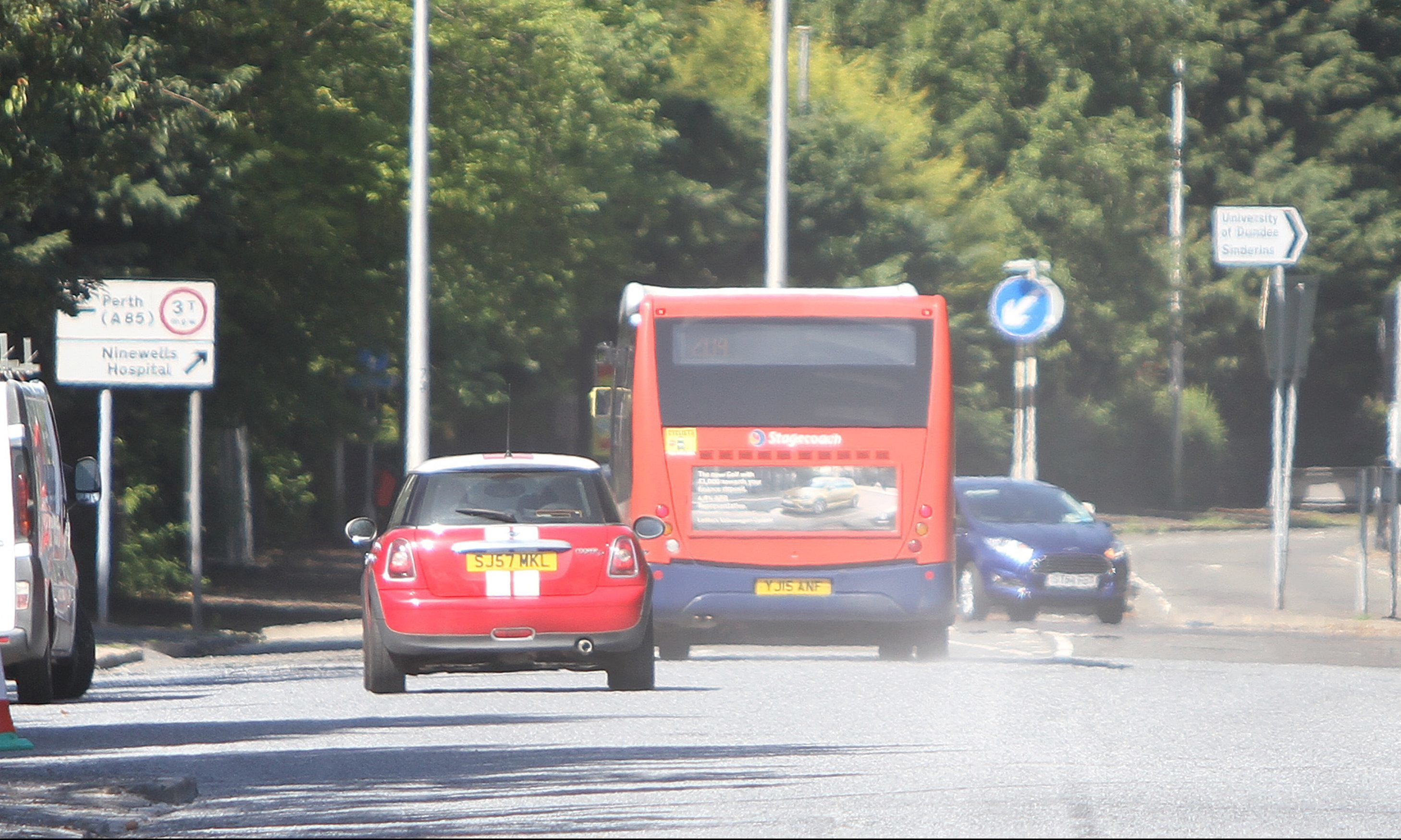 Dust continues to plague a section of Perth Road, weeks after resurfacing work was completed.