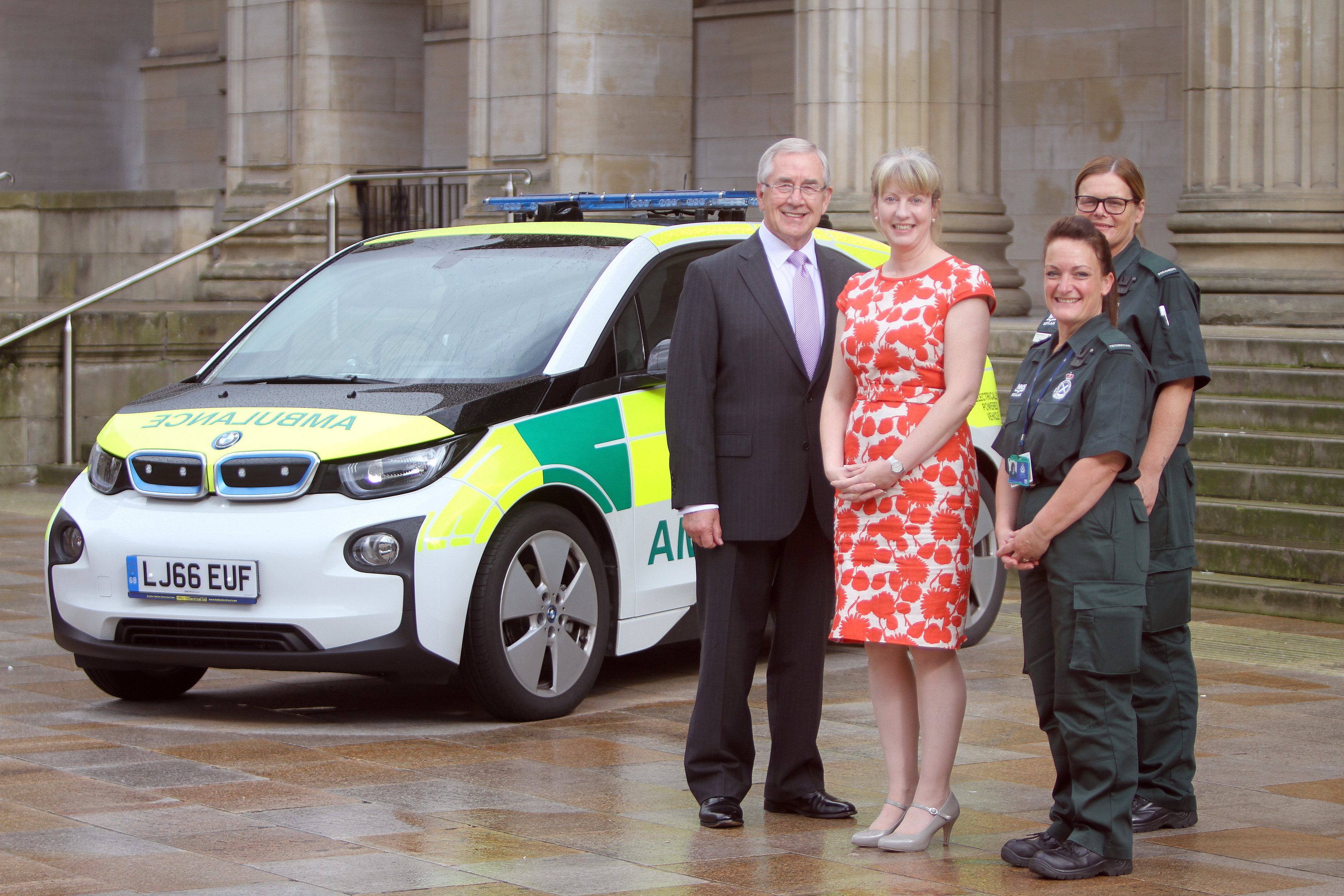 David Garbutt, chair of Scottish Ambulance Service, Shona Robison MSP, Fiona Reilly, paramedic and Lynne Findlay, technician.